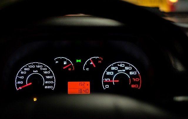 Jak zminimalizować spalanie w samochodzie