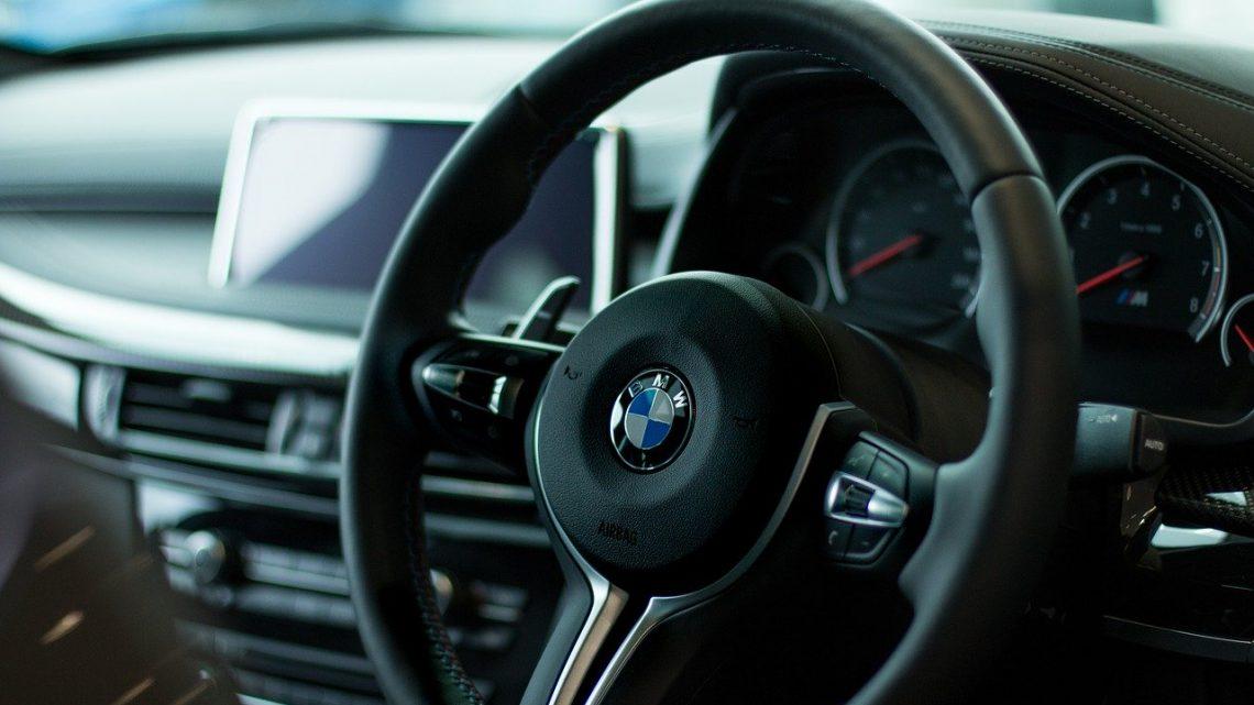 BMW akcesoria to idealny pomysł na prezent dla fana motoryzacji