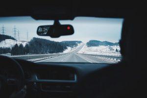 ładowarki indukcyjne samochodowe - podróż