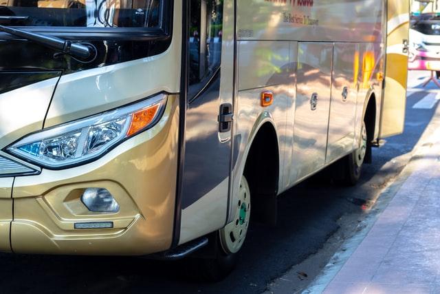 Serwis autobusów – czy warto korzystać z takiego miejsca?