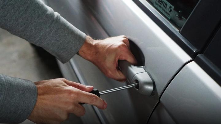 Kradzież wypożyczonego samochodu – Co zrobić w takiej sytuacji?